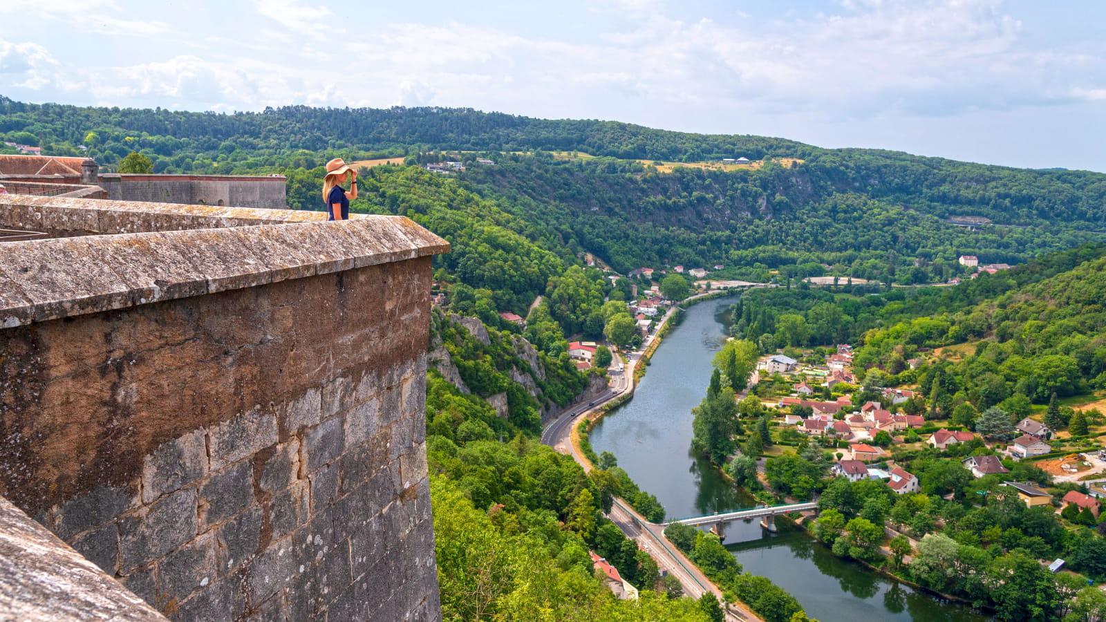 Vue sur le Doubs depuis la citadelle de Besançon