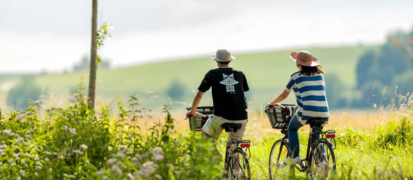 Cyclistes en bord de Saône