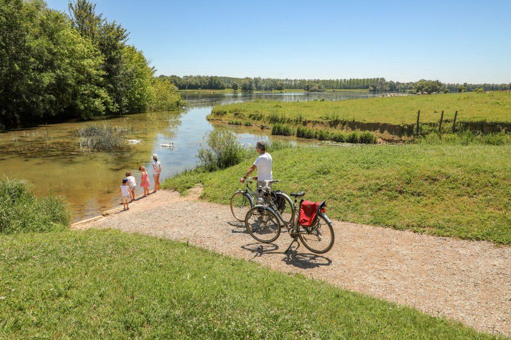V50-LA MOUGE La Voie Bleue Moselle-Saône à vélo