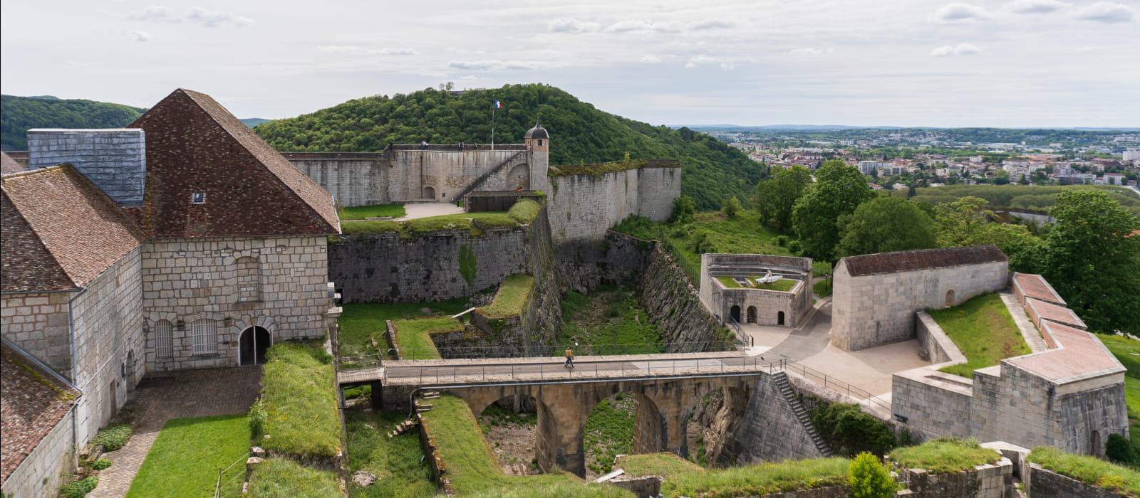 Citadelle de Besançon : vue d'ensemble du Front Royal