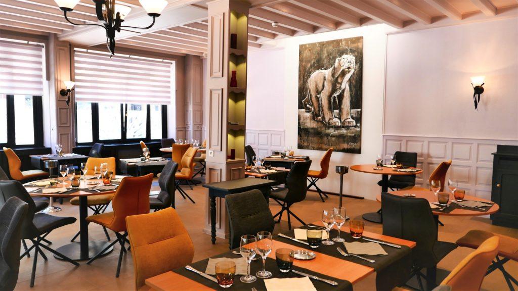 Salle restaurant Porte Guillaume 1