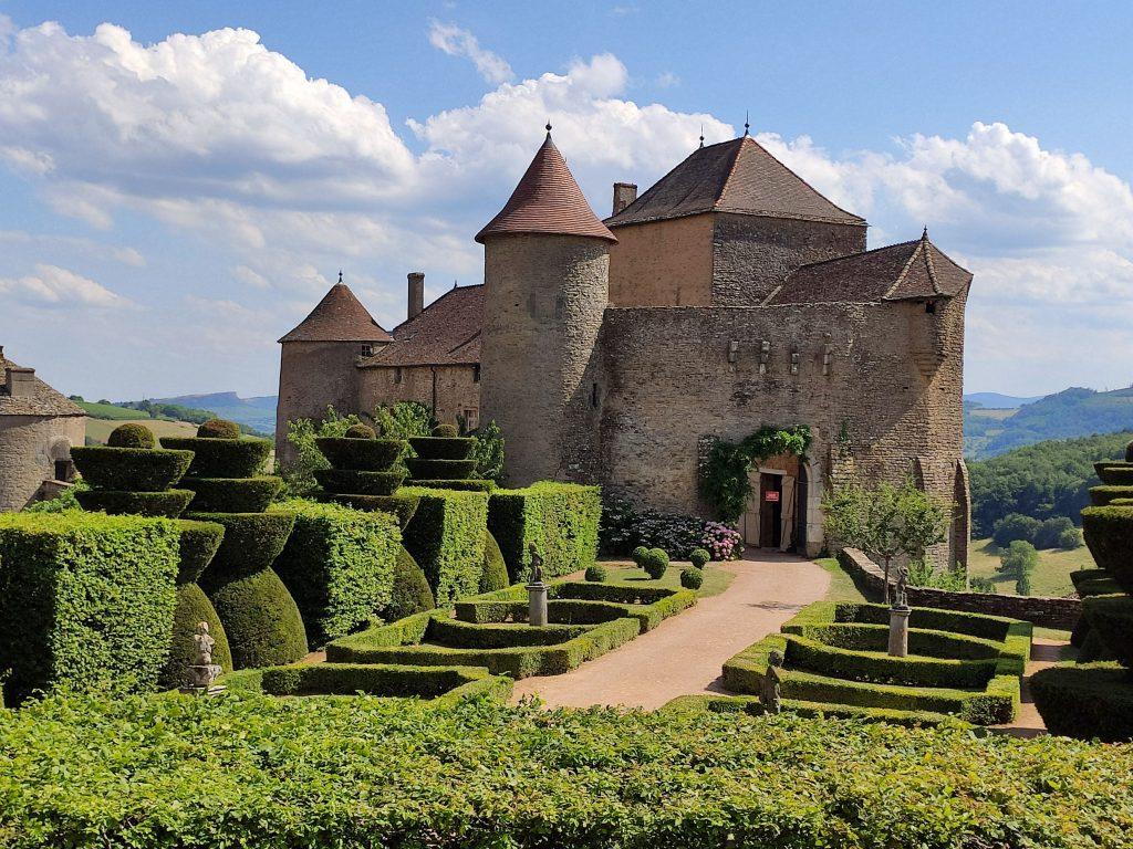 Château médiéval de Berzé-le-Châtel